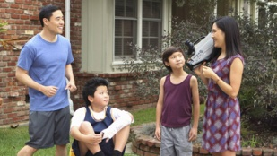 Fresh Off the Boat 01x11 : Very Superstitious- Seriesaddict